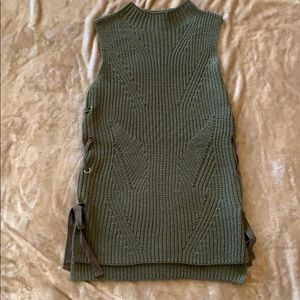 Monteau No sleeve Sweater size S
